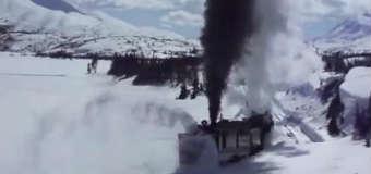 Zimowe odśnieżanie torów w Jukonie