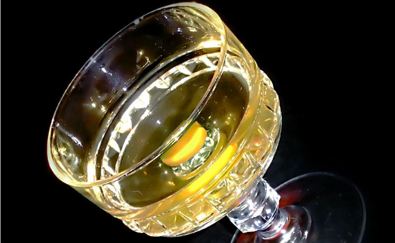 Alkohol w kieliszku. Fot. rgbstock.com