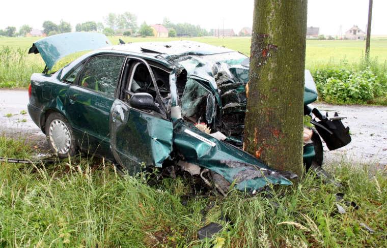 Wypadek na drodze w Witkowie. Fot. Dariusz Staszak/KPP Mogilno