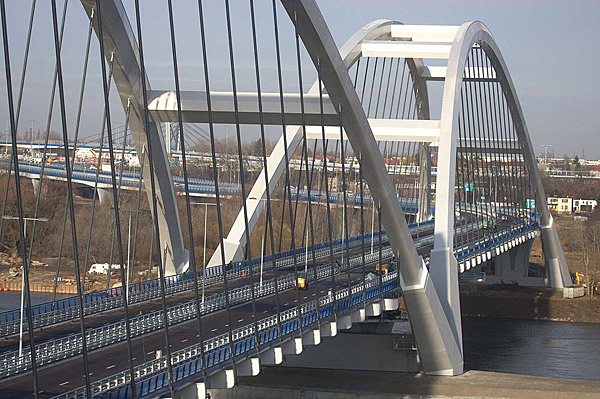 nowy most w Toruniu