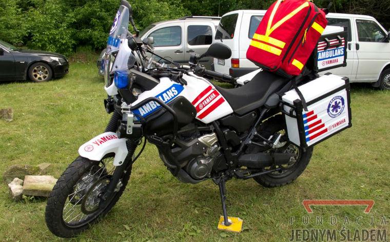 Moto-ambulans Fundacji Jednym Śladem - Yamaha Tenere XT660Z. Źródło: Fundacja Jednym Śladem