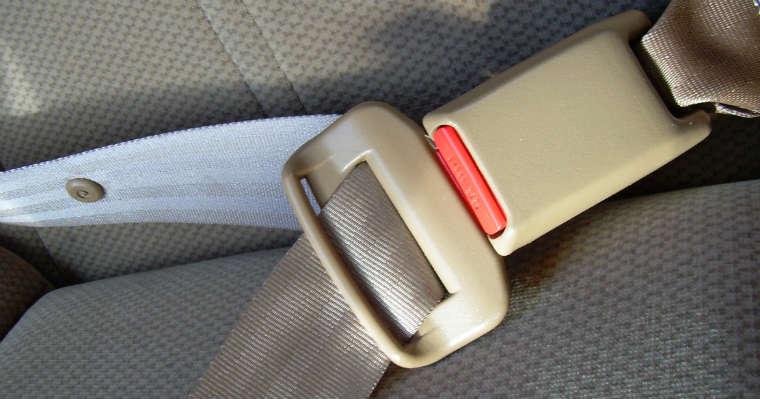 Pasy bezpieczeństwa w samochodzie Źródło: rgbstock.com