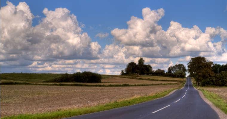 Droga lokalna w Danii. Fot. rgbstock.com