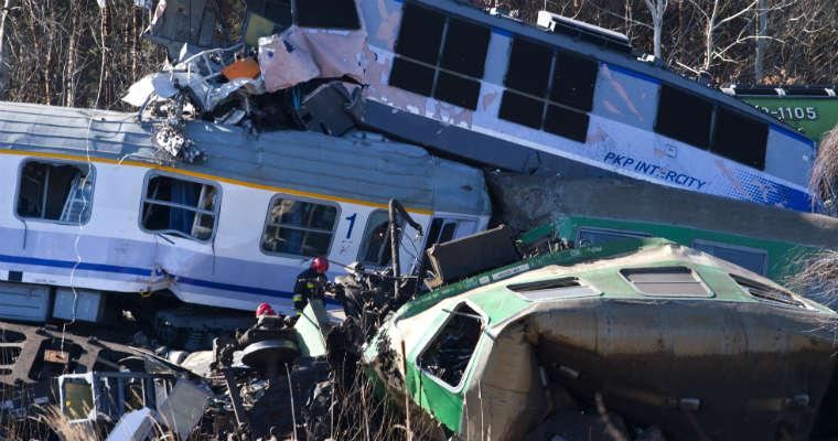 Katastrofa kolejowa pod Szczekocinami w 2012 r. Fot. Wojciech Janaczek - www.kolejkielecka.y0.pl/CC-BY-3.0