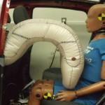 Poduszka powietrzna chroniąca pasażera tylnego siedzenia. Fot. TRW