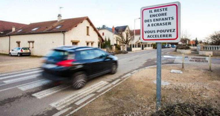 Szokujące oznakowanie we Francji. Źródło: Twitter