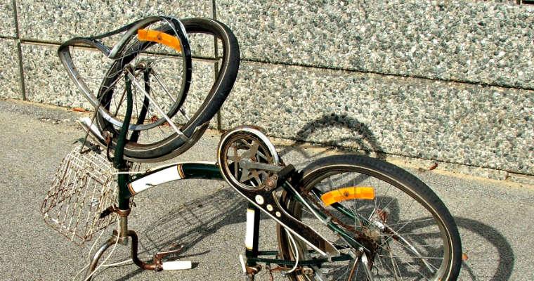 Zepsuty rower. Fot. rgbstock.com