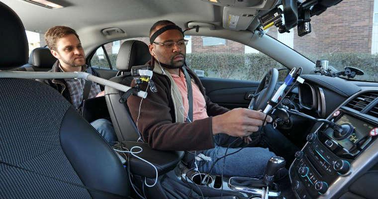 Badanie dotyczące rozproszenia kierowców. Fot. AAA Foundation for Traffic Safety