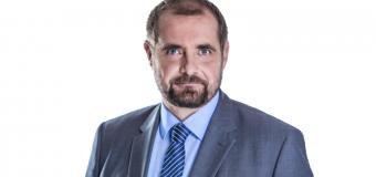 Aleksander Pociej (PO): najpierw trzeba zmienić przyzwyczajenia kierowców, potem dać pierwszeństwo pieszym przed pasami