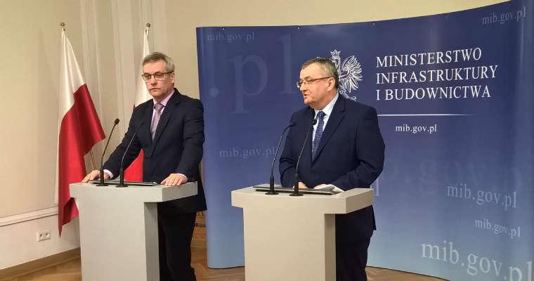 Konferencja w MIB. Minister Andrzej Adamczyk i wiceminister Jerzy Szmit. Fot. Łukasz Zboralski/brd24.pl