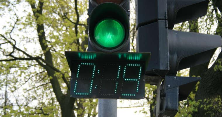 Licznik czasu sygnalizacji dla pieszych. Fot. CC0 1.0