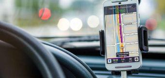 Jak się nie rozpraszać za kółkiem – obowiązkowy kurs dla młodych kierowców