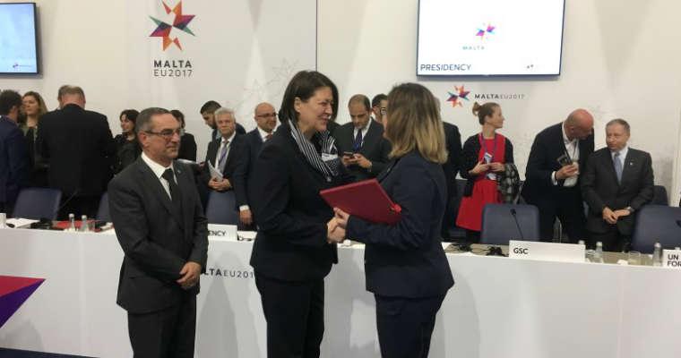 Wiceminister Justyna Skrzydło i unijna komisarz ds. mobilności i transportu Violeta Bulc. Fot. MIB