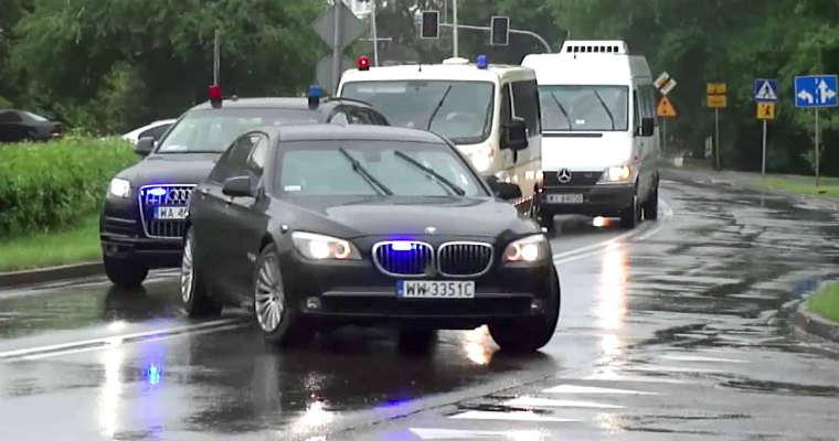 Kolumna pojazdów BOR. Źródło: YouTube