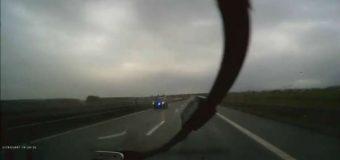 Szokujący pościg na S3. Czy policja złamała procedury?