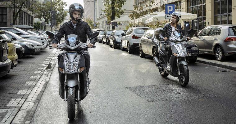Scroot - wypożyczalnia miejskich skuterów w Warszawie. Fot. Scroot