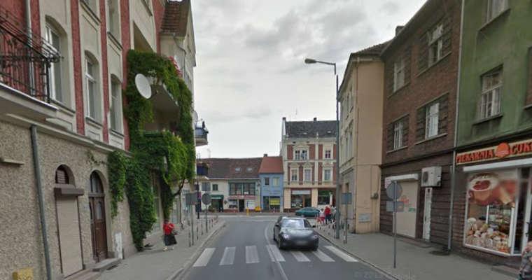 Przejście dla pieszych na ul. Wojska Polskiego w Nowej Soli. Źródło: google street view