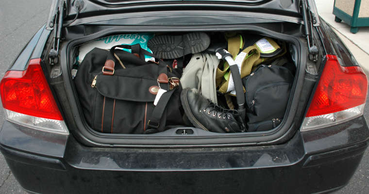 Bagaż w samochodzie Fot. Joe Shlabotnik/CC BY 2.0