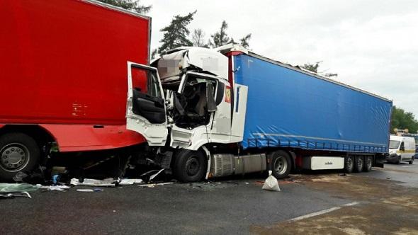 Wypadek na A4. Fot. policja.pl