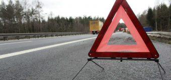 Zniszczone znaki i niekontrolowany stan dróg. Katastrofa na krajówkach wciskanych samorządom