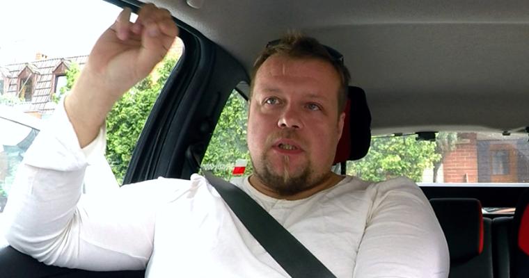 Filip Grega, instruktor nauki jazdy, prezes Fundacji S.O.S. Odpowiedzialne Szkoły Jazdy. Fot. arch