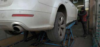 Większość polskich kierowców zmienia opony na zimowe do listopada