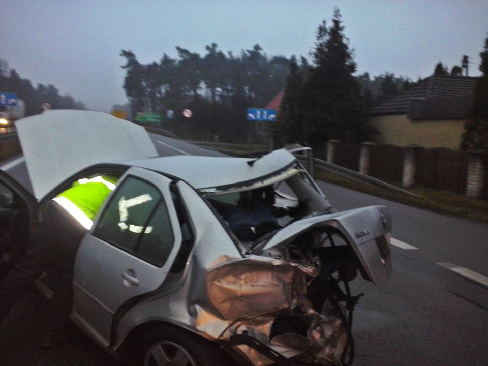 Wypadek z udziałem znanego DJ Doriana T. na drodze S3. Źródło: OSP Różyca/Facebook