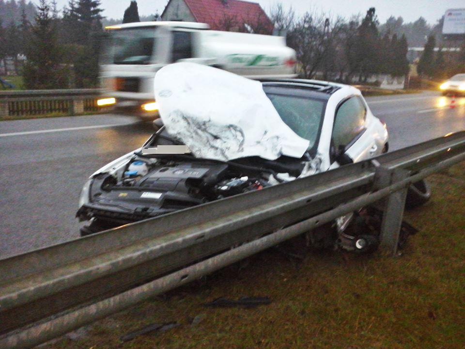 Wypadek z udziałem DJ Doriana T. na S3. Źródło: OSP Różyca/Facebook