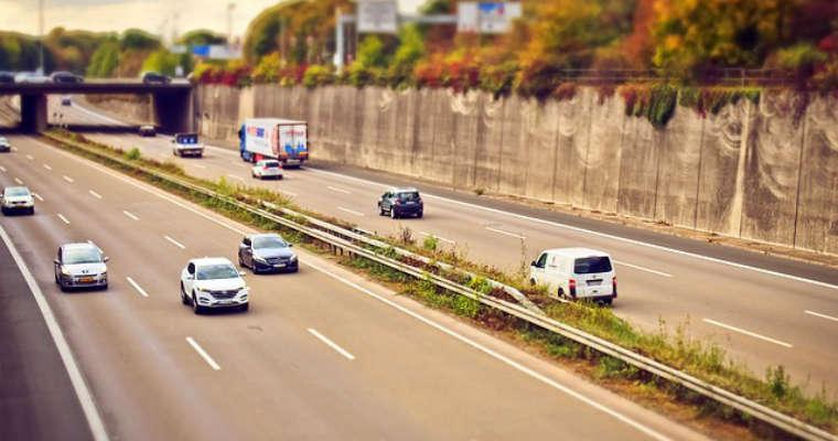 Ruch na autostradzie Fot. CC0