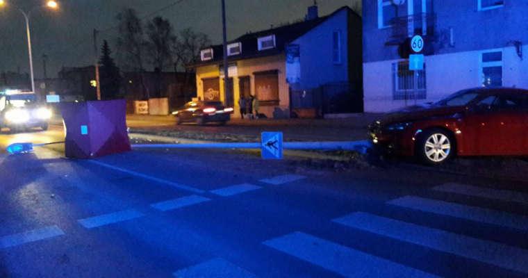 Kierowca omijająca inny pojazd przed przejściem zabiła 46-letnią pieszą. Fot. Policja