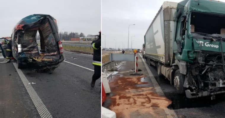 Wypadek na S8. Źródło: KM PSP Białystok