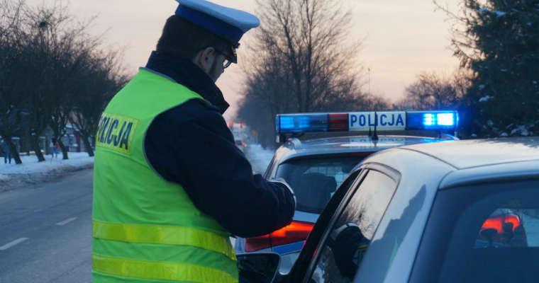 Policyjna kontrola na drodze. Źródło: Śląska Policja