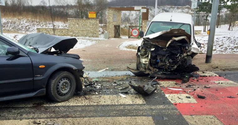 Pijany kierowca spowodował wypadek w Jaworznie. Fot. KMP Jaworzno