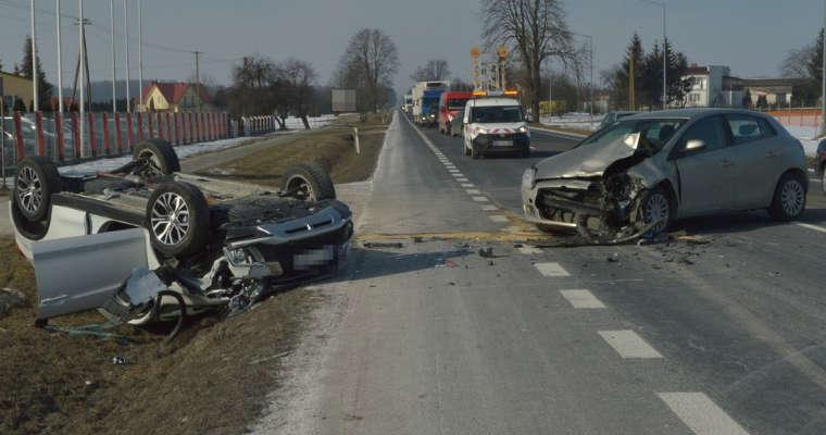 Policjant z Zamościa doprowadził do kolizji prowadząc nieoznakowany radiowóz. Fot. KMP Zamość