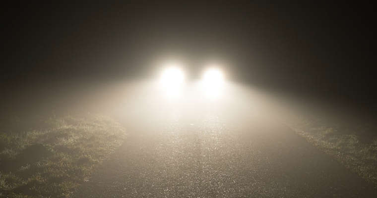 Światła samochodowe. Źródło: RAC