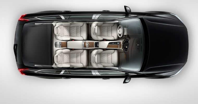 Volvo XC90 okazał się najbezpieczniejszym modelem samochodu w Wielkiej Brytanii - przez 16 lat nie odnotowano żadnego zgonu w wypadku w tym samochodzie. Fot. Volvo