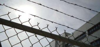 Kto siedzi w polskich więzieniach za przestępstwa na drogach? Dwie trzecie to pijacy