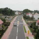 Azyl na przejściu dla pieszych wraz z odgięciem toru jazdy. Źródło: opracowanie dla KRBRD