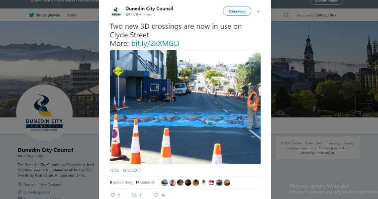 Władze nowozelandzkiego Dunedin City w 2017 r. postanowiły zaszaleć i zamiast zebry 3D zdecydowały się wymalować rwący potok. Fot. Twitter Dunedin City Council
