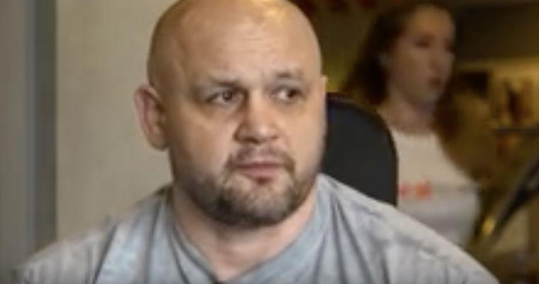 """Sławomir Jastrzębowski, były redaktor naczelny """"Super Expressu"""". Źródło: YouTube"""