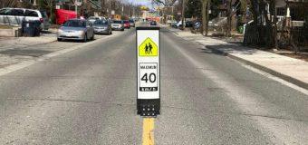 Postawili znaki spowalniające kierowców przed szkołami. I zdjęli. Bo… spowalniały ruch