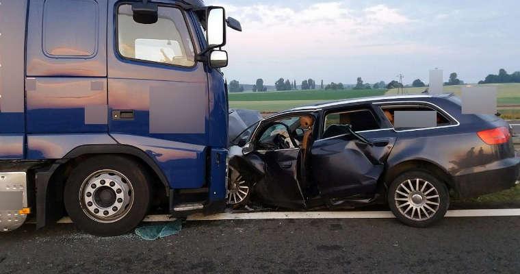 Pijany kierowca spowodował wypadek jadąc pod prąd drogą S3. Fot. policja