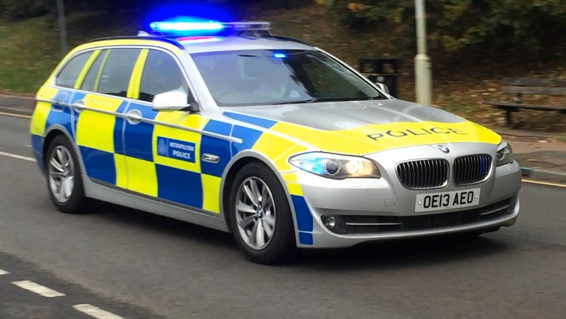 Samochód policji w Wielkiej Brytanii. Fot. Slinkierbus268/CC-BY-SA 4.0