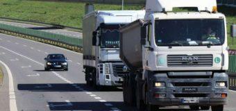 """Akcja """"TIR"""". Policjanci nie odpuszczają kierowcom ciężarówek. Już 200 mandatów"""