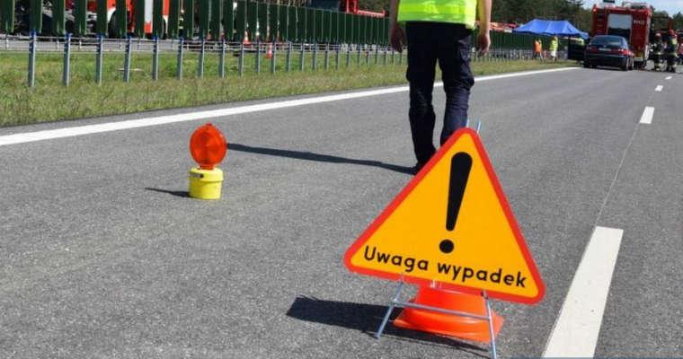 Wypadek na drodze, miejsce wypadku, znak Fot. Policja Świętokrzyska