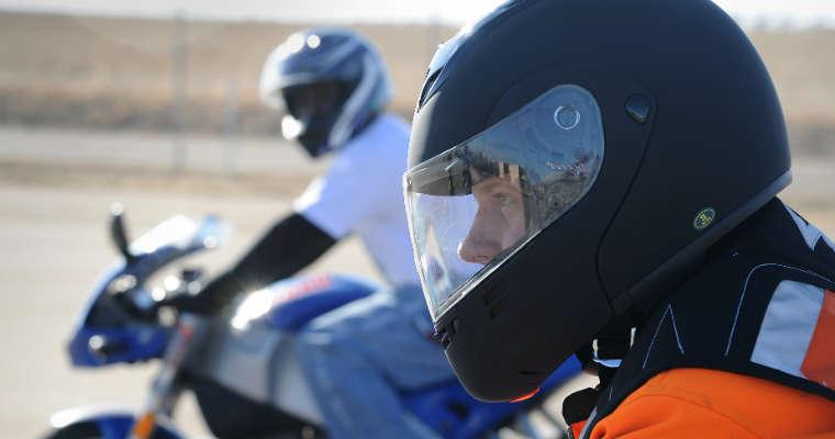 Motocykliści. Fot. U.S. Air Force photo by Airman 1st Class Xavier Lockley