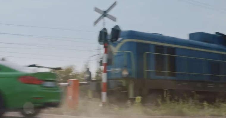 Fragment kontrowersyjnego klipu z kampanii reklamowej BMW M Town. Źrodło: Facebook/BMW Polska