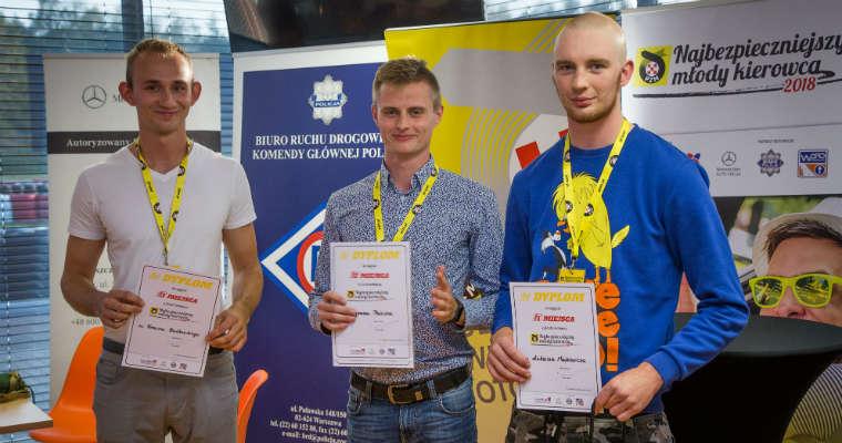 Laureaci konkursu o tytuł Najbezpieczniejszego Młodego Kierowcy. Fot. PZM