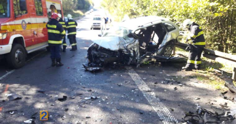 W tragicznym wypadku na Słowacji spowodowanym przez brawurową jazdę polskich kierowców, zginął 57-latek, a dwie osoby zostały ranne. Fot. Słowacka Policja