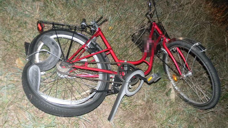 Rower mężczyzny śmiertelnie potrąconego pod Namysłowem. Fot. Policja
